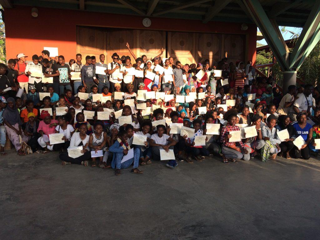 Le collège Boueni M'titi récompense ses diplômés