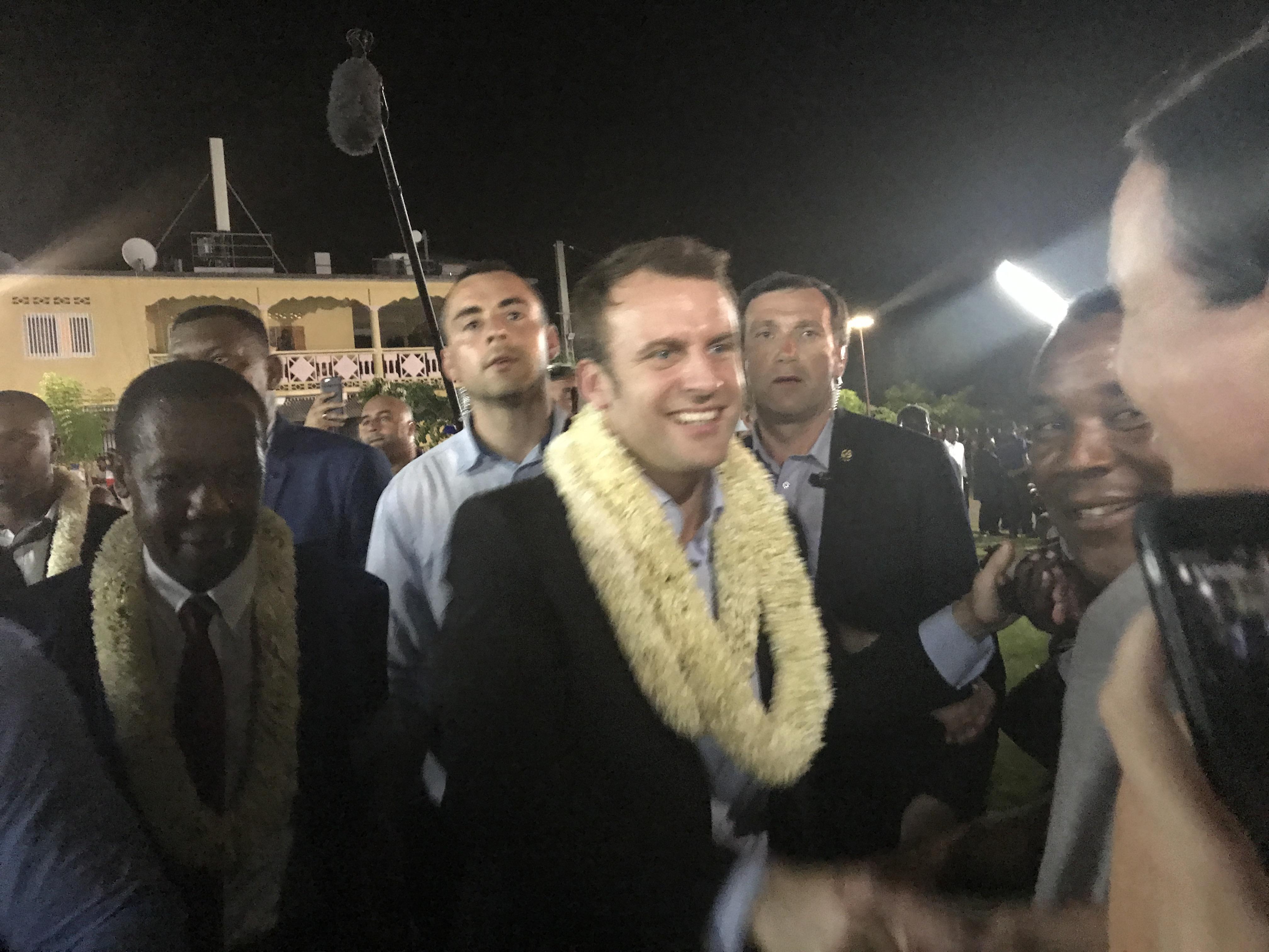 Le candidat E. Macron à Labattoir
